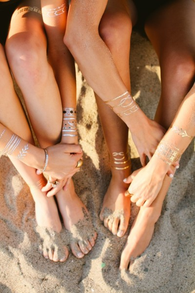 Lulu-DK-Temporary-Jewelry-Tattoos-Legs-Designed-for-Living-400x600